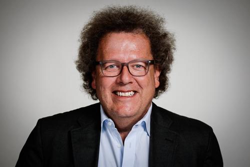 Michael Bayer, Geschäftsführer und Schreinermeister der Möbelwerkstätte Bayer